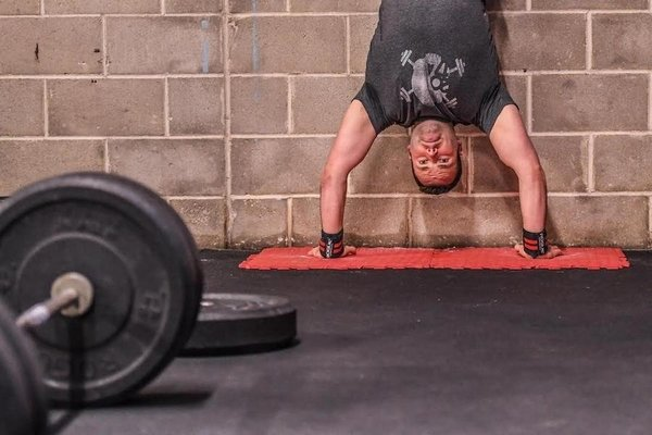 progresser handstand push up Crossfit